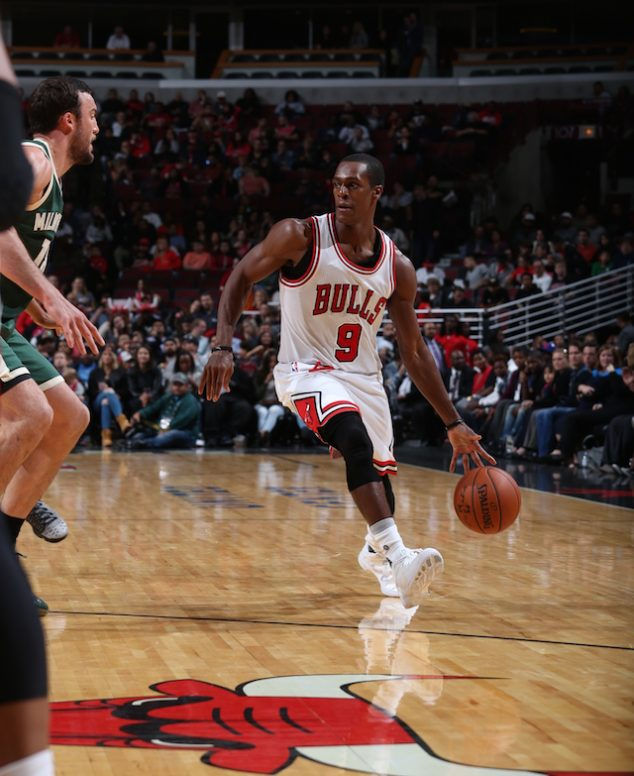 CHICAGO, IL - OCTOBER 3: Rajon Rondo #9 of the Chicago Bulls dribbles the ball against the Milwaukee Bucks during a preseason game on October 3, 2016 at United Center in Chicago, IL. NOTE TO USER: User expressly acknowledges and agrees that, by downloading and/or using this Photograph, user is consenting to the terms and conditions of the Getty Images License Agreement. Mandatory Copyright Notice: Copyright 2016 NBAE (Photo by Gary Dineen/NBAE via Getty Images)