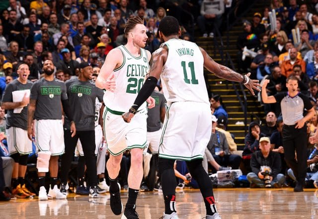 gordon hayward post up celtics