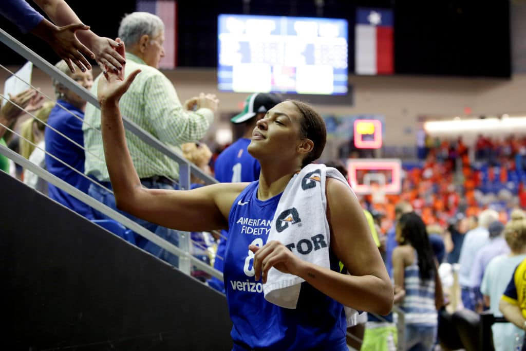 Liz Cambage of the Dallas Wings