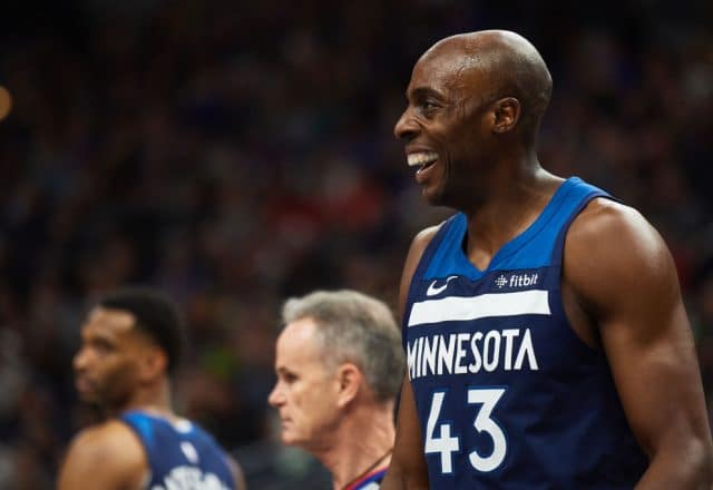 Anthony Tolliver Horizontal
