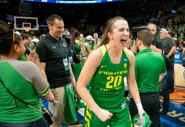 Sabrina Ionescu of the Oregon Ducks