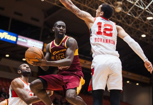 Sir'Dominic Pointer of the Canton Charge