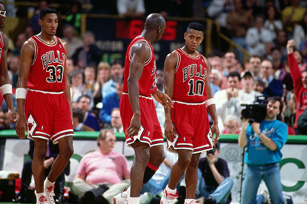 Michael Jordan Beat BJ Armstrong 1-on-1 Wearing Loafers
