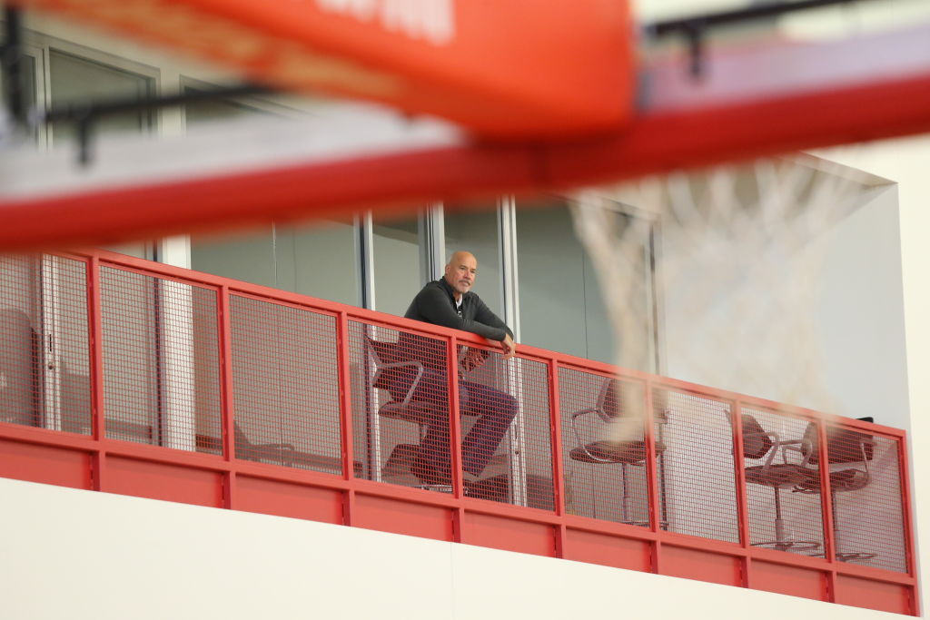 Bulls seek new top exec; eyeing Raptors' Webster, Nuggets' Karnisovas