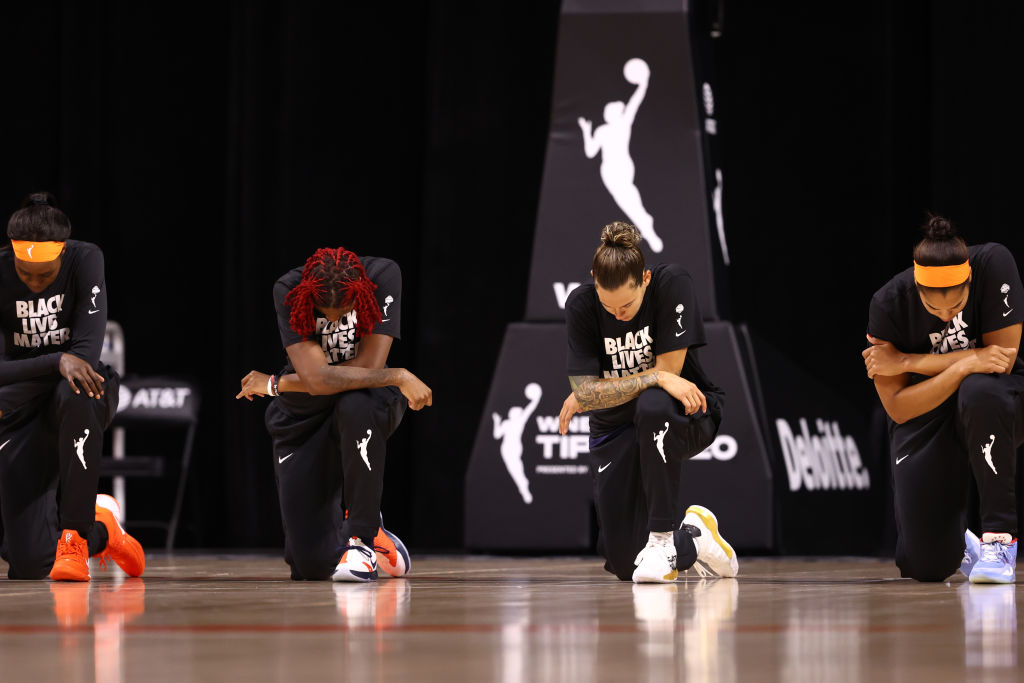 WNBA Players Kneel