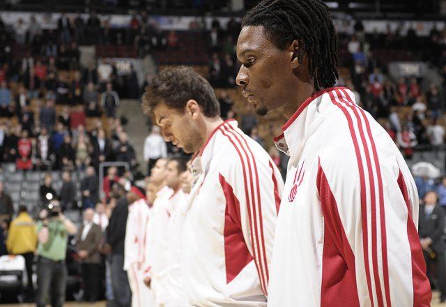 Andrea Bargnani and Chris Bosh of the Toronto Raptors