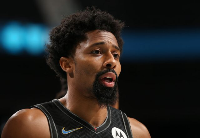 斯宾塞·丁威迪 of the Brooklyn Nets